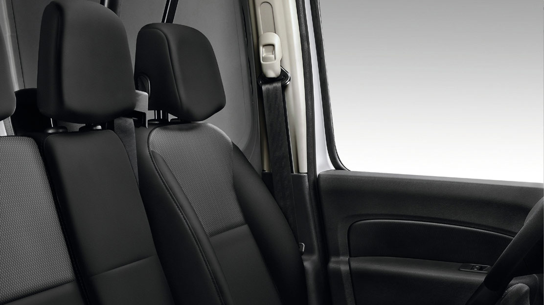Height adjustable drivers seat