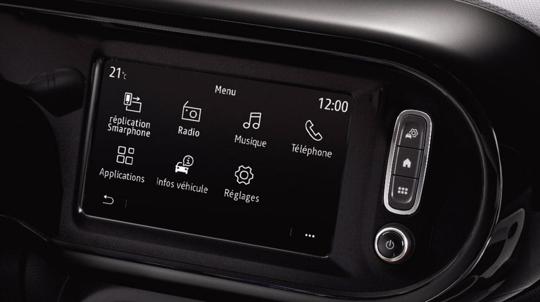 """EASY LINK conectado con pantalla táctil de 17,8cm (7"""") y radio DAB"""