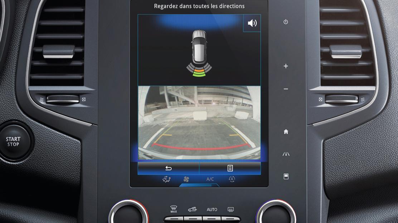 Ayuda al aparcamiento delantero y trasero + cámara visión trasera