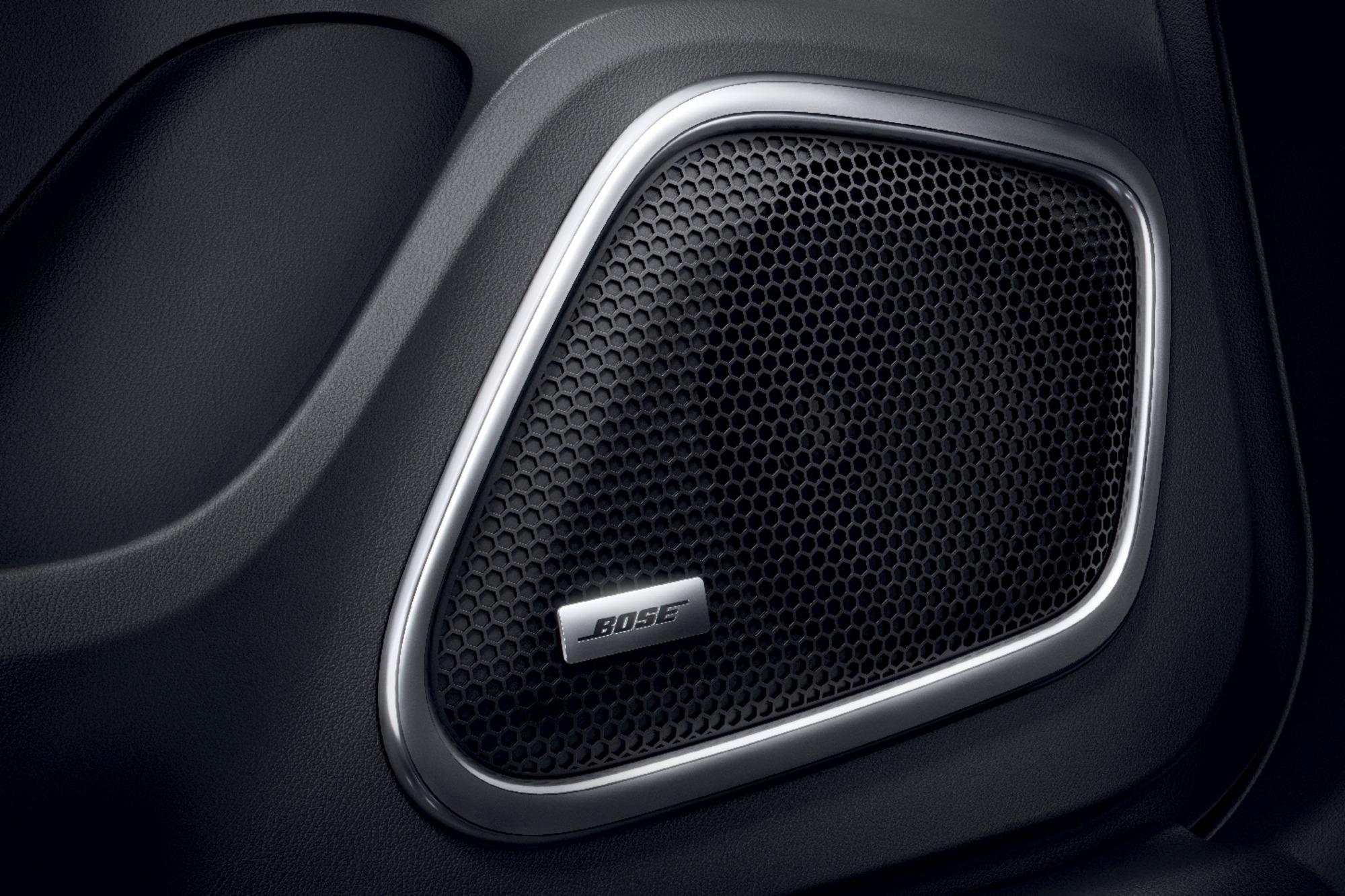 BOSE® prémium audiorendszer DAB+ rádióval