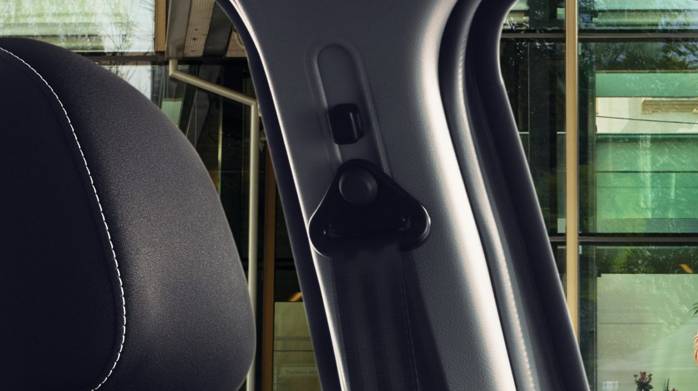 Veiligheidsgordels met gordelspanner en spankrachtbegrenzer zitplaatsen bestuurder en passagier vóór