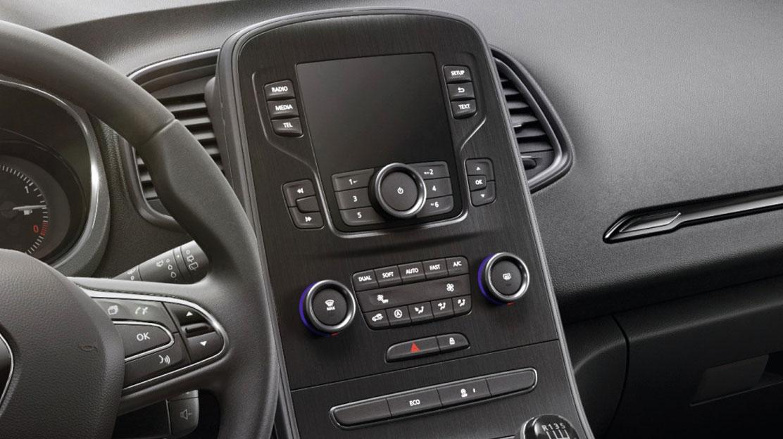 Standard Radio mit Freisprecheinrichtung,  Audiostreaming, AUX- und USB Eingang. Mit DAB.
