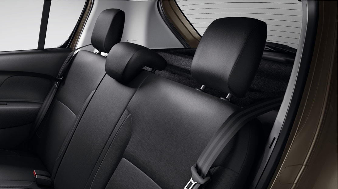 3 height-adjustable rear headrests (1x central fore/aft adjustable; 2x lateral standard)