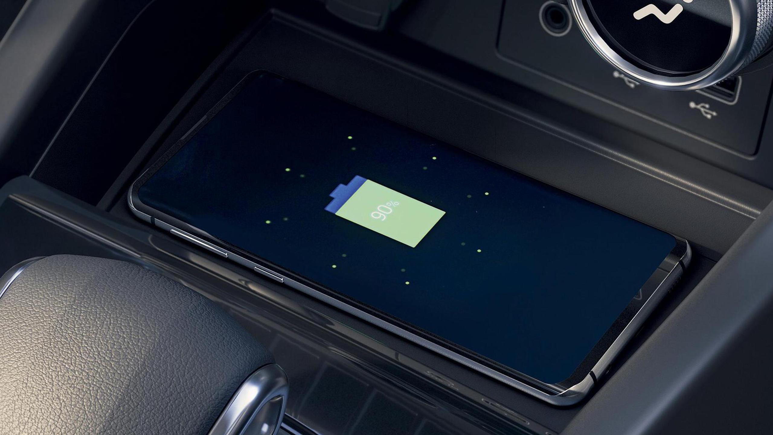 Induktive Smartphoneladefläche