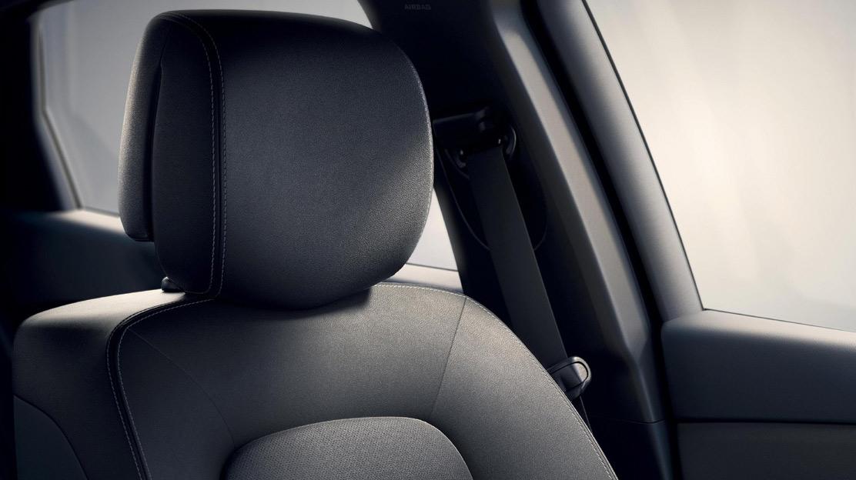 Fahrer- und Beifahrersitz 6fach elektrisch einstellbar (nur in Verbindung mit Lederpolsterung)