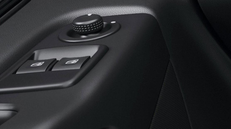 elektrische Fensterheber vorne mit Impulsschaltung auf Fahrerseite