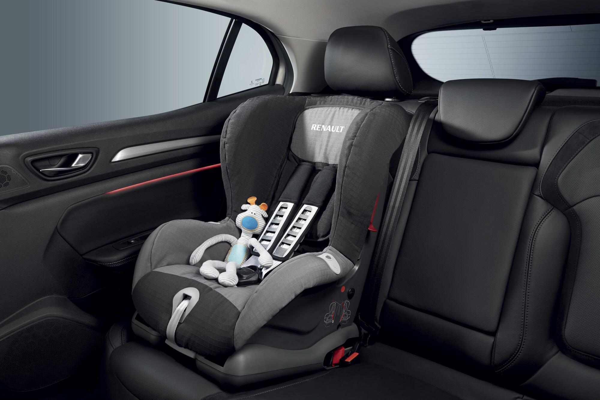 system mocowania fotelika dla dziecka Isofix na bocznych tylnych miejscach