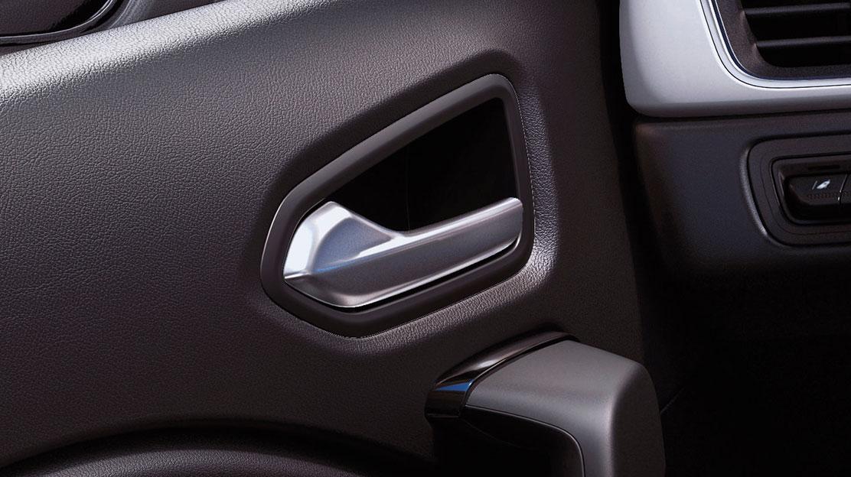 Puxadores das portas na cor da carroçaria