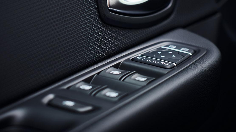 Elektricky ovládaná okna vpředu, impulzní ovládání okna řidiče