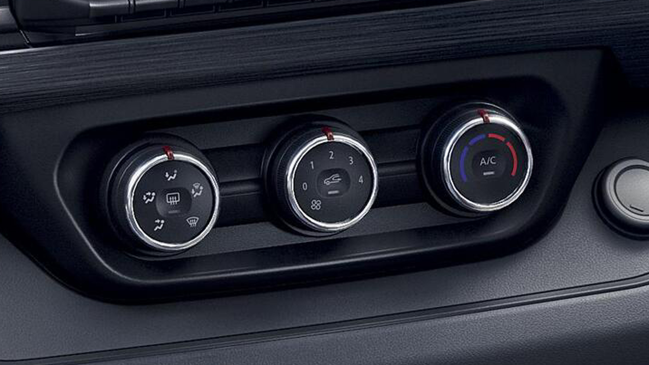 Manual air conditioning with pollen filter (front & rear)