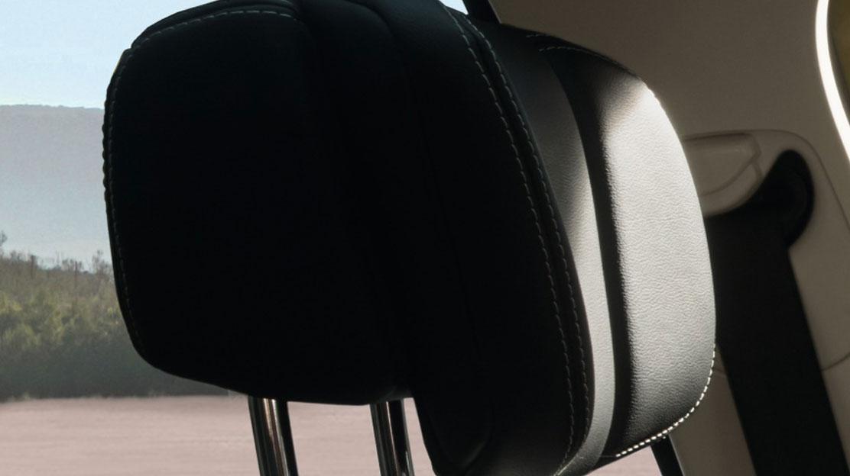 Ceintures de sécurité avant avec double prétensionneur, réglables en hauteur