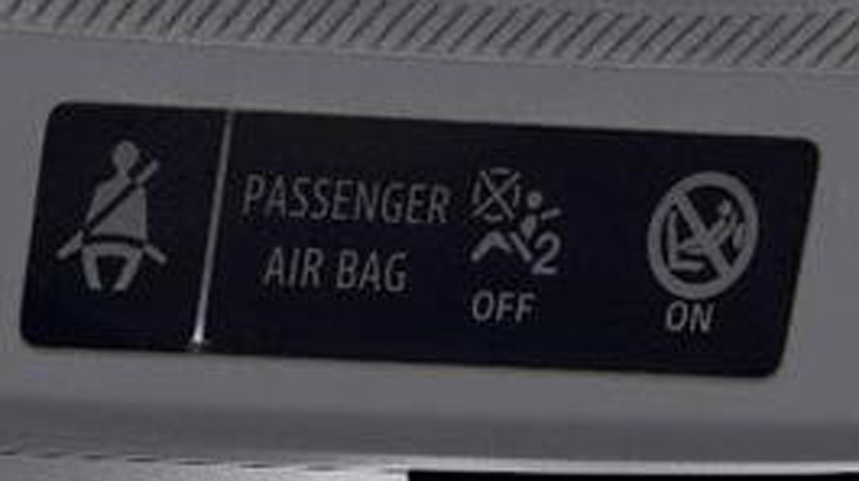 Semnal de avertizare pentru necuplarea centurilor de siguranta (sofer + pasageri)