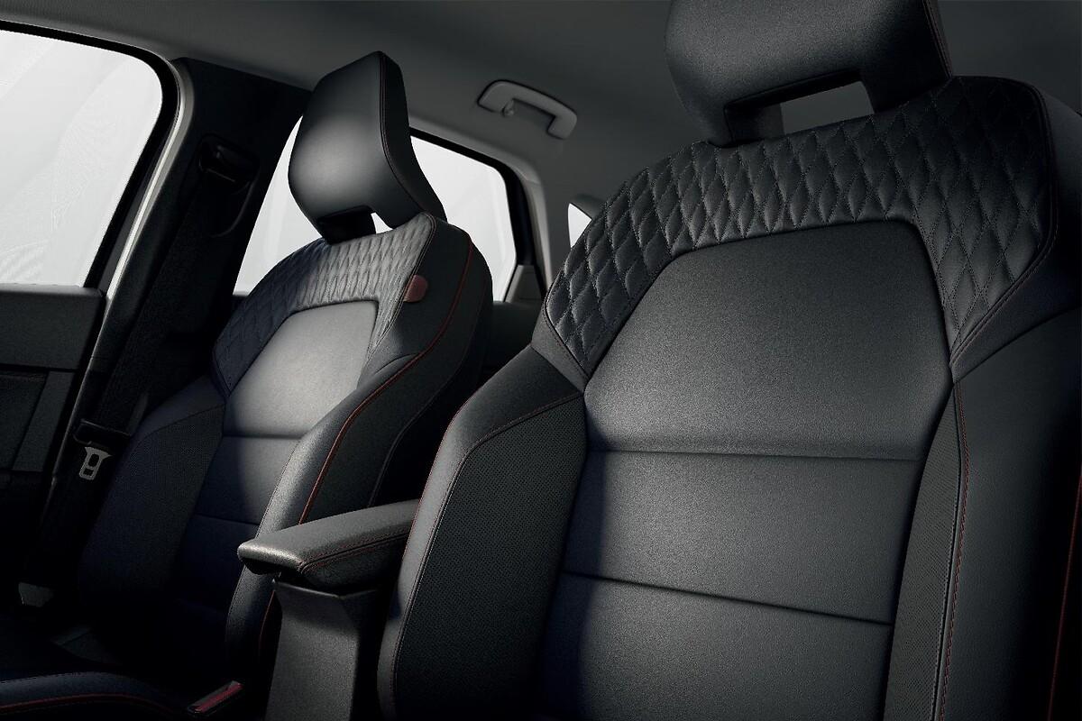 Pack Cuir (sièges conducteur avec réglage lombaire, sièges avant chauffants)