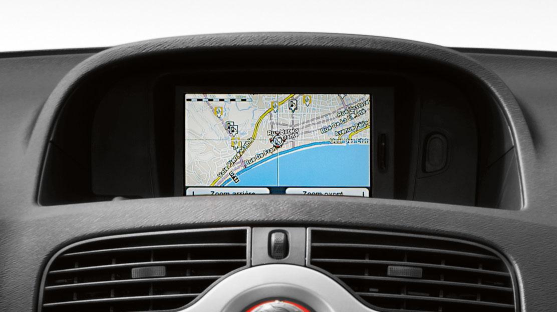 """R-LINK Evolution conectado, con pantalla táctil de 17,8cm (7""""), sistema multimedia y Navegación Tom Tom."""