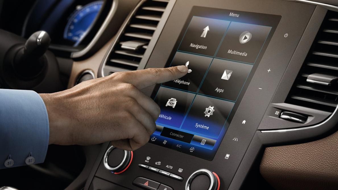 Multimedijski sustav R-Link 2 s dodirnim ekranom 8,7'' + Radio BOSE® Surround Sound System + DAB