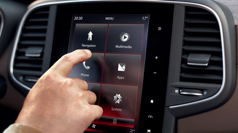 """Sistema R-LINK 2: ecrã táctil 8,7"""" c/ligação à internet,sist.BOSE®,comando voz,Bluetooth®,USB e Jack"""