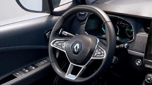 Stuurwiel met TEP leder bekleed en bediening cruise control en snelheidsbegrenzer