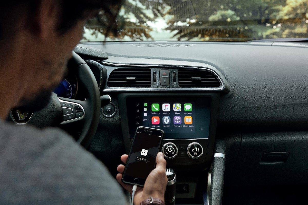 Funkcija povezljivosti z aplikacijama Android Auto™ in Apple CarPlay™