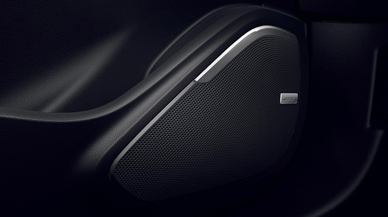 Bose® Sound System (inclus radio DAB)
