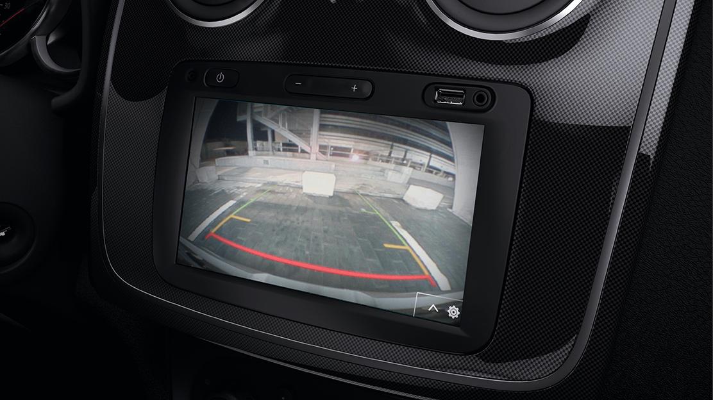 Parkeersensoren achter met achteruitrijcamera en sonische weergave