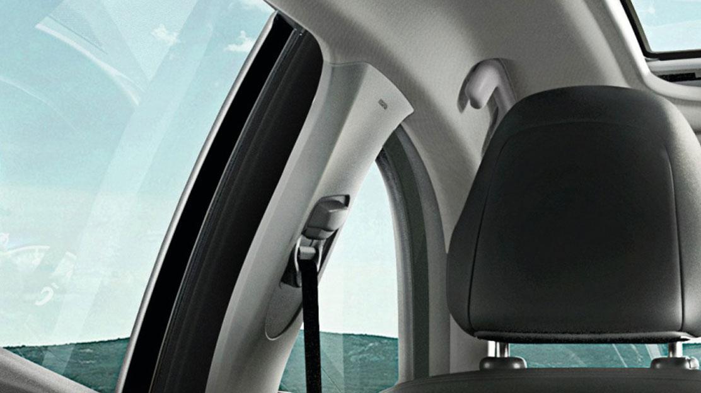 Höhenverstellbarer Sicherheitsgurt für den Fahrer