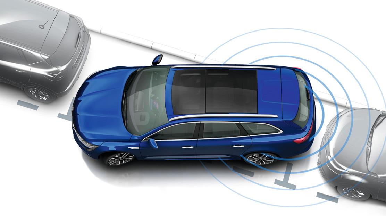 Parkeersensoren vóór en achter met achteruitrijcamera