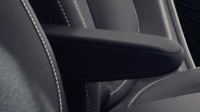 Front central armrest
