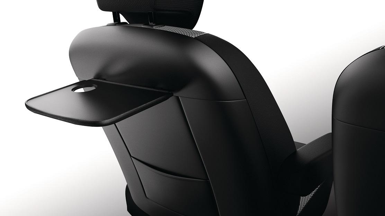 Bandeja en respaldo asientos delanteros