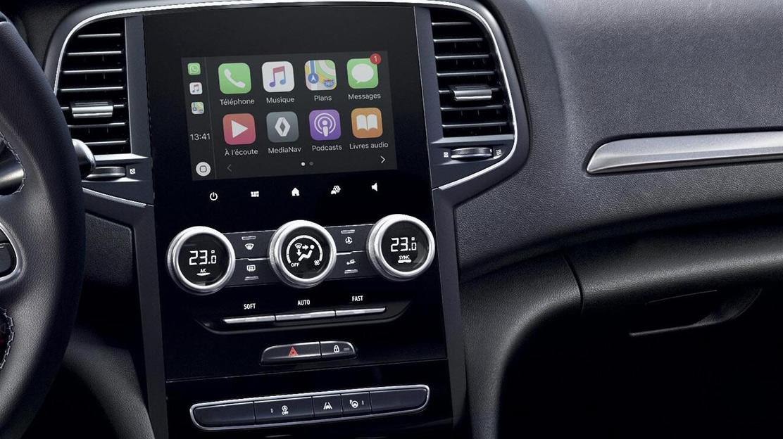 EASY LINK mit 7-Zoll-Touchscreen und Navigation