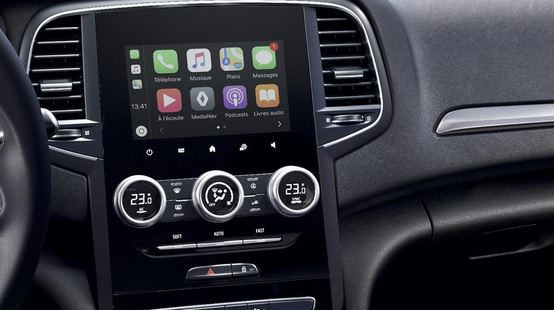 Renault EASY LINK, sistem multimedia conectat cu ecran tactil 7'', navigatie cu harta inclusa