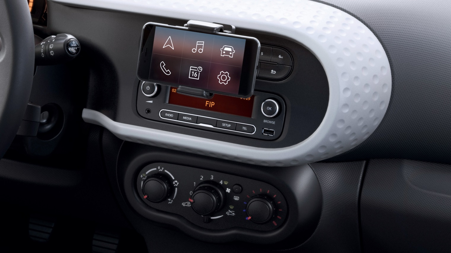 Cool&Sound Paket: Klimaanlage manuell, Radio R&Go mit DAB, Lenkradsatellit und Smartphone-Halterung