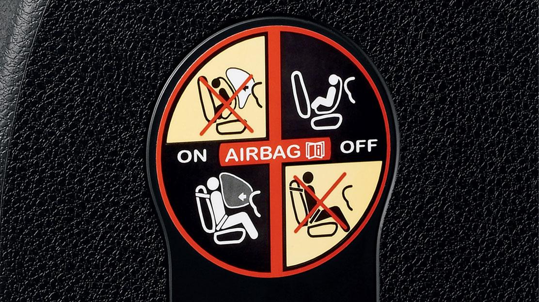 Airbags latéraux avant tête-thorax