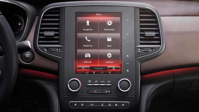 Dvouzónová automatická klimatizace s odděleným nastavením pro řidiče a spolujezdce