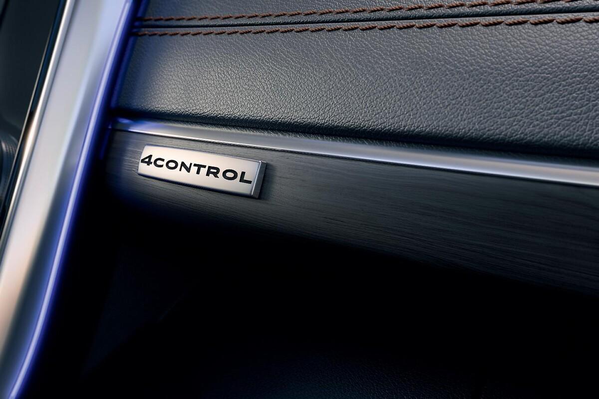 Pack 4CONTROL (châssis 4 roues directrices, suspensions à amortissement piloté)