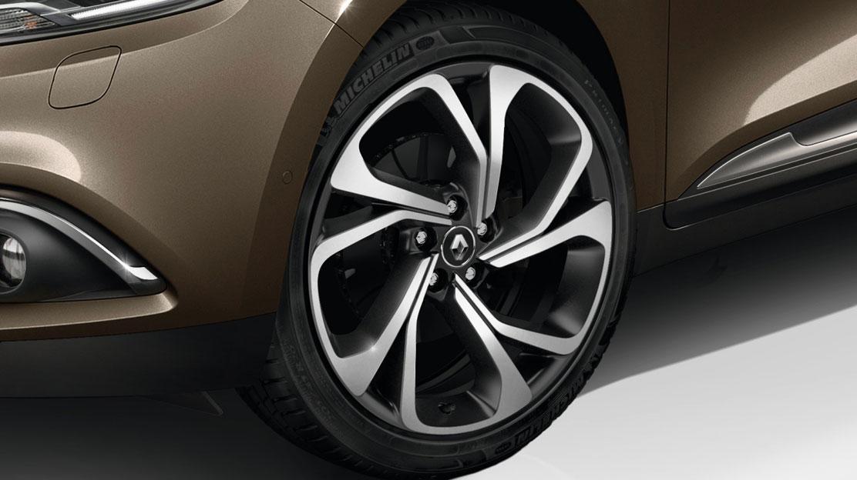 Sistem za nadzor tlaka v pnevmatikah