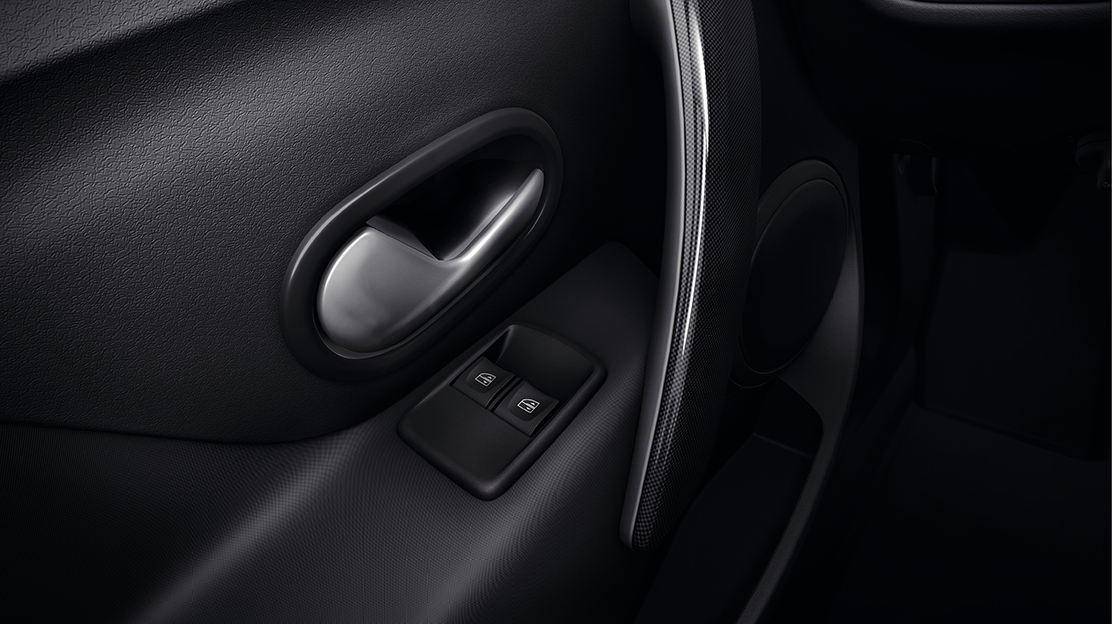Front electric windows with driver's One-touch
