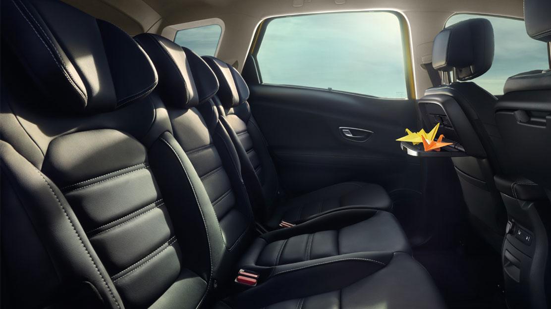 Ceintures de sécurité arrière 3 points avec limiteur d'effort et prétensionneur aux places latérales