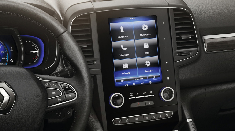"Radio-Navi. R-Link mit 8,7"" Touch, Bluetooth, BOSE-Sound. DAB.  Komp. Apple CarPlay & Android Auto."
