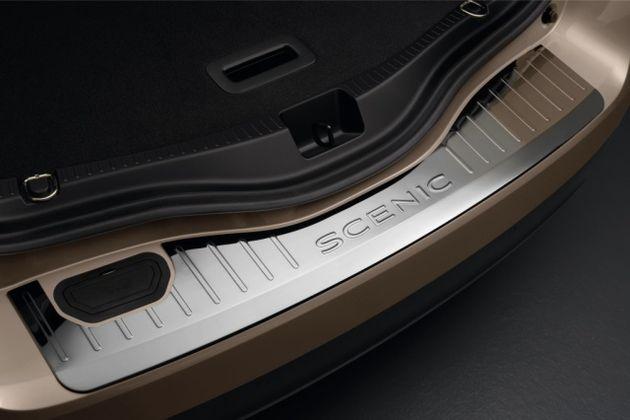 Gepäckraumkante - Edelstahl - Fahrzeug mit einklappbarer Anhängerkupplung