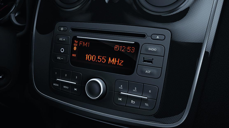 Radio CD MP3 AUX Bluetooth USB