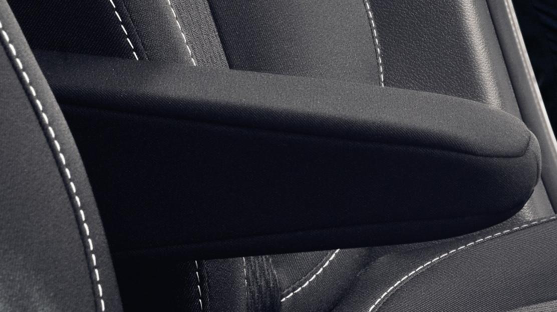 Loketní opěrka na sedadle řidiče