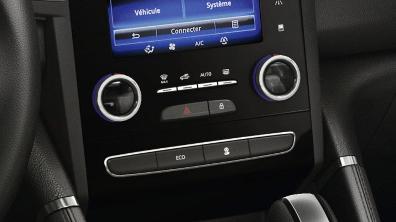 2-Zonen Klimaautomatik auf Fahrer- und Beifahrerseite separat regelbar