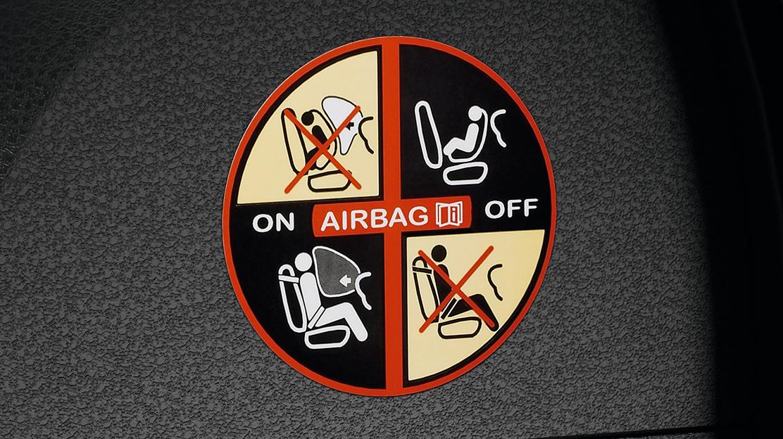Uitschakelbare passagier airbag