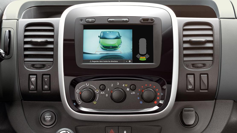 Sist. de ajuda ao estacionamento tras. c/câmara-Implica Sensores chuva+FN(Combis);Pack Hi-Tech2(BUS)