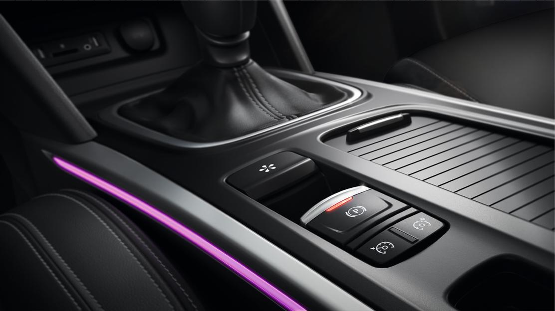 Automatska parkirna kočnica + ambijentalno osvjetljenje na vratima i središnjoj konzoli