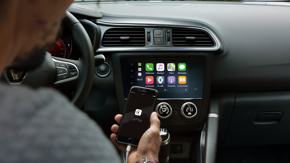 Compatível com Android Auto™ e/ou Apple CarPlay™