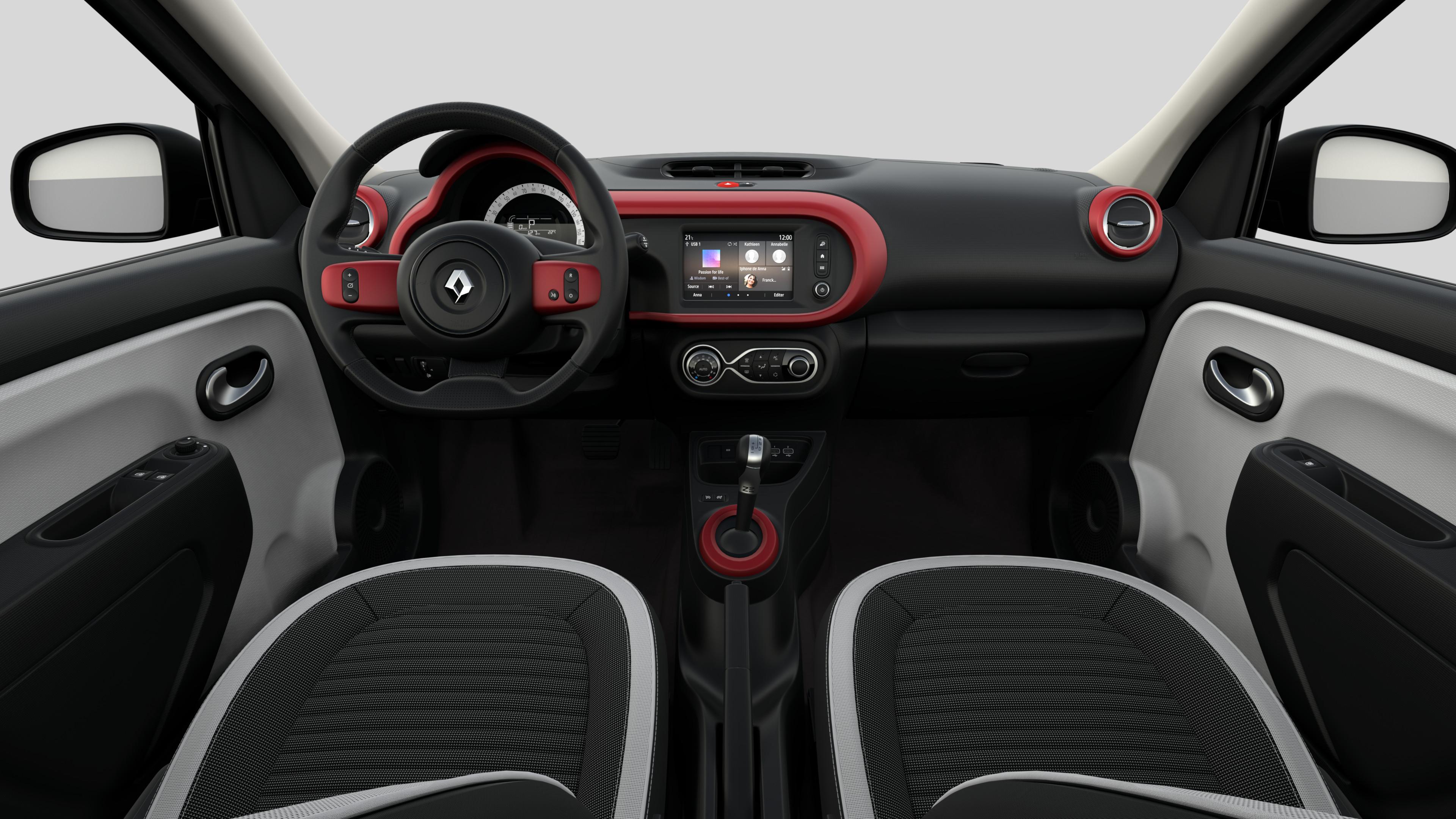 Décors intérieurs Rouge (volant cuir avec inserts, planche de bord, aérateurs, levier vitesse)