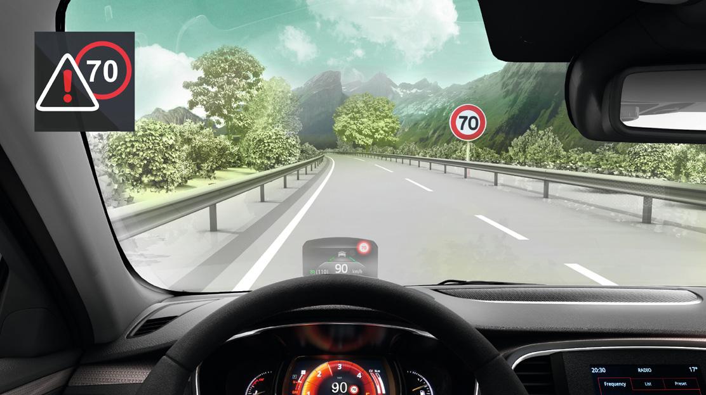 Avviso di eccesso della velocità con riconoscimento dei segnali stradali