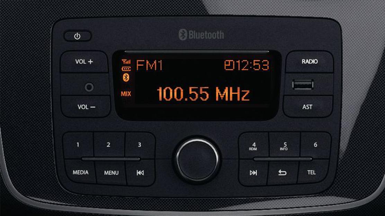 R-Plug & Music (radio, prises jack et USB, Bluetooth)