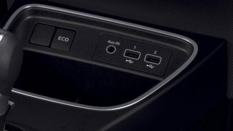 offener Stauraum in der Mittelkonsole hinten mit USB-Anschluss